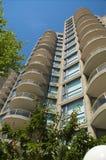 Flatgebouwen met koopflats Royalty-vrije Stock Foto