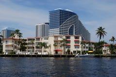 Flatgebouwen met koopflats in Fort Lauderdale Royalty-vrije Stock Foto