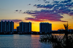 Flatgebouwen in Miami, Florida tijdens zonsondergang Stock Fotografie