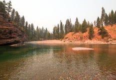 Flathead и запятнанное место встречи рек медведя в районе дикой природы Bob Marshall во время 2017 огней падения в Монтане США Стоковая Фотография RF