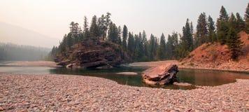 Flathead i Łaciasty Niedźwiadkowy rzeki miejsce spotkania w Bob Marshall pustkowia terenie podczas 2017 spadków ogieni w Montana  Fotografia Stock