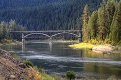 flathead over flod för bro Arkivfoton