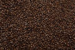 Flatlay пустой предпосылки текстуры кофе, зажаренных в духовке фасолей стоковые фотографии rf