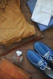 Flatlay avec le regard sur la texture en bois Photographie stock