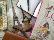 Flatlay para amantes de Parise fotografia de stock royalty free