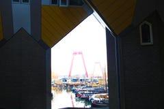 Flats en bureaus binnen de kubieke huizen van Rotterdam, metropolitaanse stad royalty-vrije stock fotografie