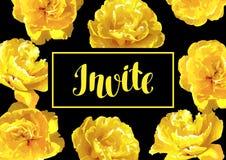Flaumige gelbe Tulpen der Einladungskarte Schöne realistische Blumen und Knospen Stockfoto