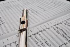Flauta en cuenta de la música Imagenes de archivo