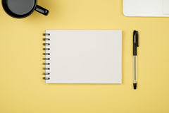 Flay lay picture with blank notepad page Royalty Free Stock Photos