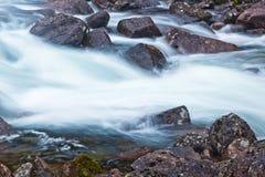 flödesvatten Arkivbild