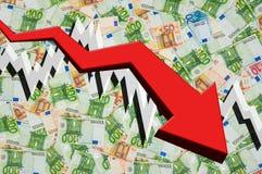 Flecha de caída con el fondo euro del dinero Fotos de archivo libres de regalías