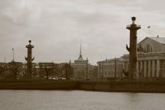 Flecha de la isla de Vasilievsky Imagenes de archivo