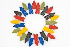 Flechas coloridas en un círculo Foto de archivo libre de regalías
