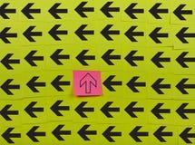 flechas Concepto vertical y horizontal Fotografía de archivo libre de regalías