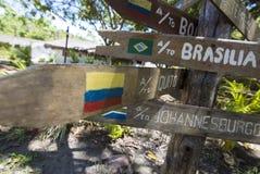 Flechas de madera de la muestra del destino, Venezuela Imágenes de archivo libres de regalías