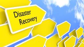 Flechas del concepto de la recuperación de catástrofes delante del cielo azul Fotografía de archivo libre de regalías