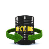 Flechas del depósito y del verde de gasolina de la hierba Reciclaje del aislamiento del concepto en blanco Fotografía de archivo libre de regalías