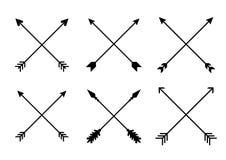 Flechas del inconformista de la cruz de Criss Flechas en estilo del boho Flechas tribales Sistema de flechas indias del estilo Ve stock de ilustración