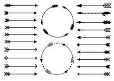 Flechas del inconformista Flechas en estilo del boho Flechas tribales Sistema de flechas indias del estilo Flechas decorativas rú Fotografía de archivo libre de regalías