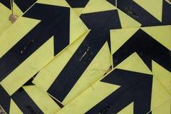 Flechas negras y amarillas fotografía de archivo libre de regalías