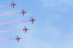 Flechas rojas en País de Gales Airshow nacional 2017 Fotografía de archivo libre de regalías