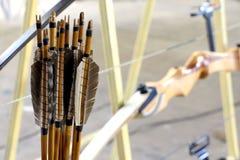 Flechas y arcos de madera Fotografía de archivo