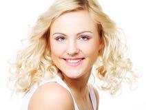 Fleckenlose junge blonde Frau Lizenzfreies Stockfoto
