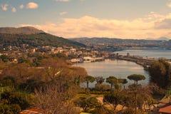 Flegrei-paisaje de Campi con el lago del lucrino Fotografía de archivo
