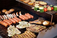 Fleisch auf BBQ Stockfotos