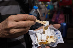 Fleisch fressende poffertjes in Amsterdam stockfoto