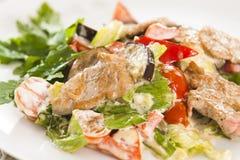 Fleisch mit Gemüse und Kräutern Lizenzfreies Stockbild