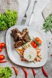 Fleisch mit Reis stockfoto