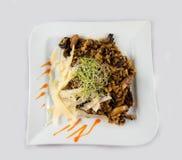 Fleisch mit Reis und Pilzen Stockfotografie