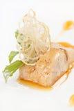 Fleisch-Paste mit Soße lizenzfreie stockbilder