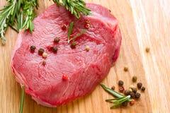 Fleisch-rohes Steak Lizenzfreies Stockbild