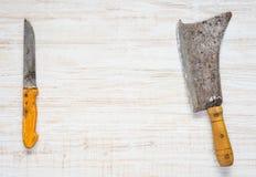 Fleischbeil und Metzger Knife mit Kopien-Raum Lizenzfreies Stockbild