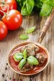 Fleischklöschen in der Tomatensauce Stockbild