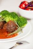 Fleischklöschen in der Tomatensauce Stockfotos