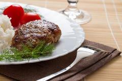 Fleischklöschen mit Reis Lizenzfreies Stockbild