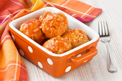 Fleischklöschen mit Tomatensauce Stockfotos
