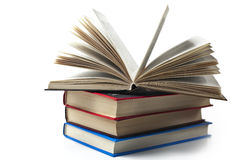 Flera böcker, vit bakgrund royaltyfri fotografi