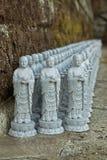 Flera buddistiska statyer arkivfoto