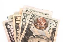 Flera buntar av amerikanska mynt med någon dollar Royaltyfri Bild
