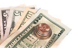Flera buntar av amerikanska mynt med någon dollar Royaltyfria Bilder