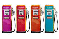 Flera färg av den gamla klassikeroljafördelaren i bensinstation Arkivfoto