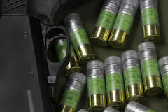 Flera kulkassetter för 12 mått och hagelgeväravtryckare Royaltyfri Foto