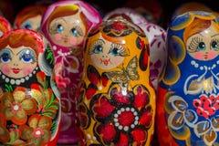Flera Matryoshka eller bygga bodockor Souvenir för turister, Ru royaltyfri foto