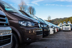 Flera nya bilbussar Royaltyfri Bild