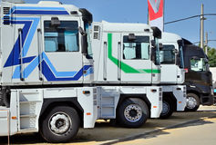 Flera parkerade lastbilar Royaltyfria Foton