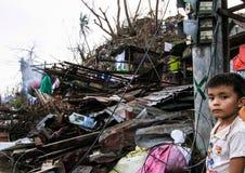 Flera tusentals lämnade hemlöns i efterdyningen av tyfonen Haiyan Royaltyfria Foton